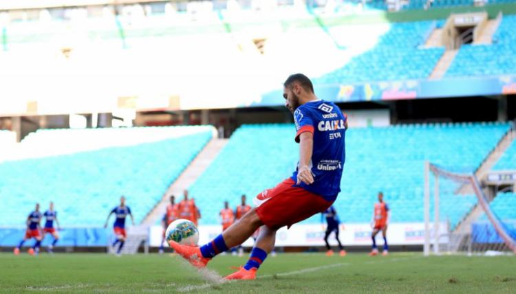 O time fez treino de bola parada nesta sexta - Foto: Felipe Oliveira   EC Bahia
