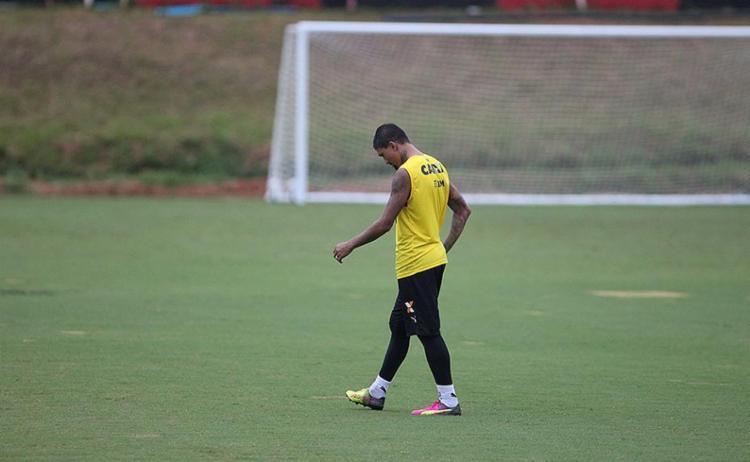 Kieza exibe ansiedade devido ao jejum de gols - Foto: Adilton Venegeroles l Ag. A TARDE