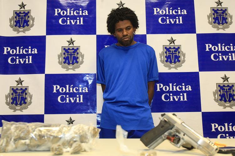 Josemar foi detido no Uruguai na quinta-feira, 17; celulares, uma pistola e maconha foram apreendidos com o suspeito - Foto: Josemar foi detido no Uruguai na última quinta-feira