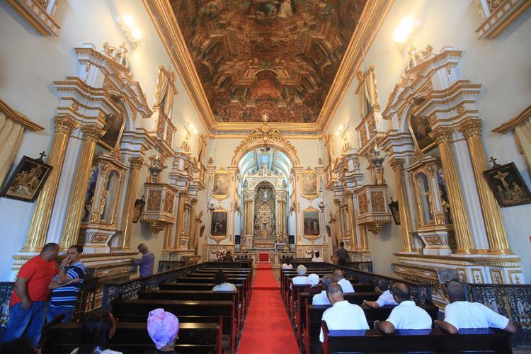 Igreja de grande beleza estava fechada há 22 anos - Foto: Raul Spinassé l Ag. A TARDE