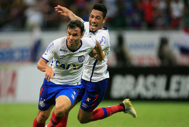 Renato Cajá celebra gol do triunfo, aos 42 do 2º tempo - Foto: Lúcio Távora / Ag. A TARDE