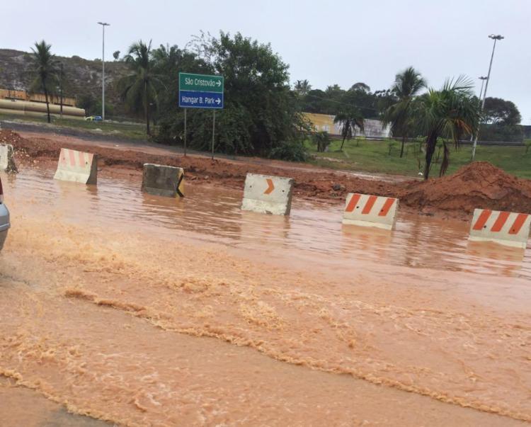 Muita lama em pontos da avenida Parelala - Foto: Rubens   Trânsito Salvador   via WhatsApp