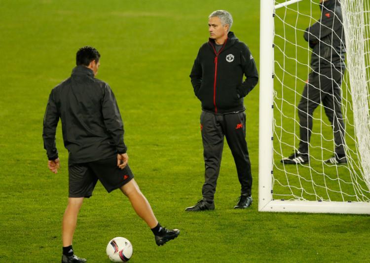 Mourinho foi suspenso por um jogo e multado - Foto: Andrew Boyers | Reuters