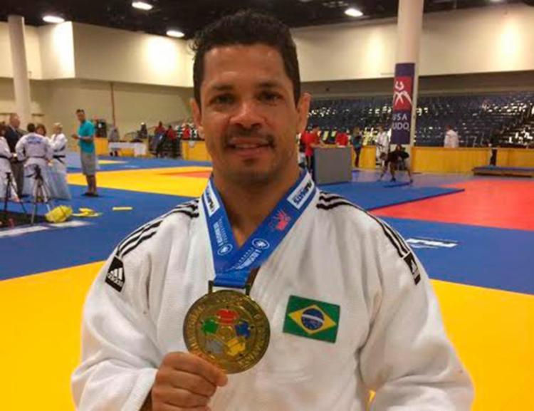 Flávio Pinheiro levou o ouro na categoria 73kg M2 - Foto: Arquivo Pessoal