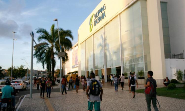 Brigada de incêndio do Shopping agiu a tempo - Foto: Joá Souza | Ag. A TARDE 31.05.2016