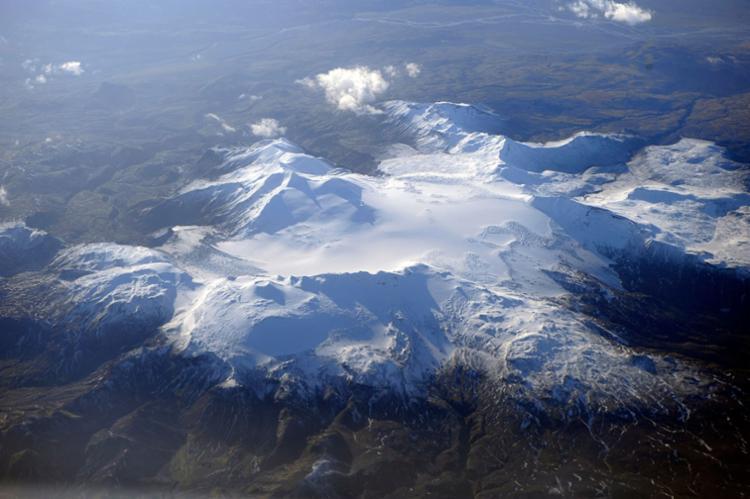 Os cientistas anunciam que a médio prazo o oceano Ártico não terá mais gelo no verão - Foto: Olivier Morin | AFP