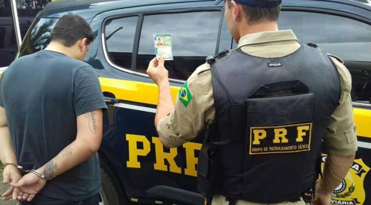 Polícia Rodoviária Federal prende homem com documentação falsa e pedido de prisão em aberto - Foto: Reprodução | Facebook