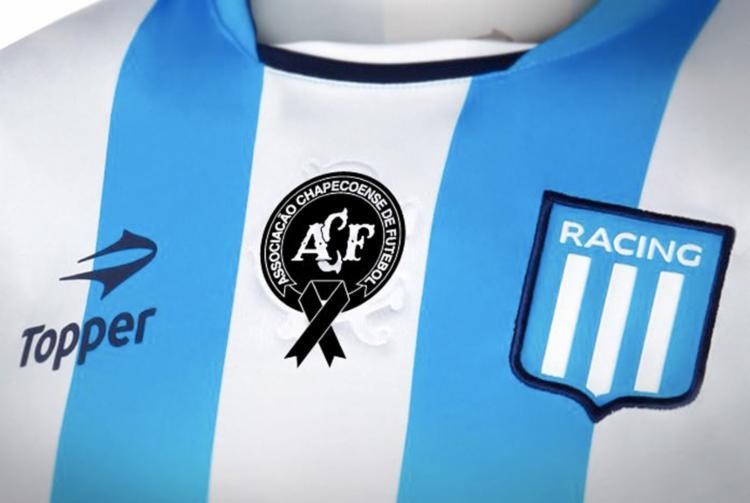 O Racing jogará com o escudo do Chapecoense - Foto: Reprodução | Twitter | Racing Club