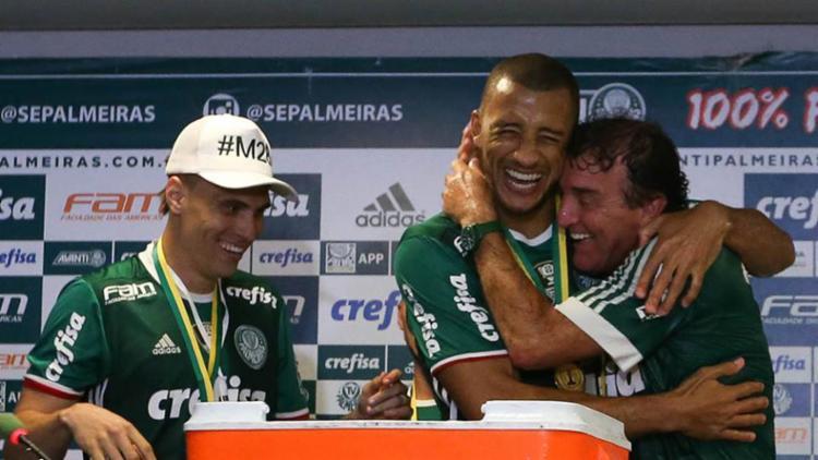 O técnico Cuca comemorando o título do Brasileirão - Foto: Cesar Greco | Palmeiras