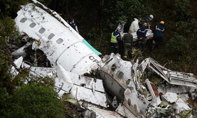 Piloto avisou à torre que estava com problemas elétricos por falta de combustível - Foto: Raul Arboleda   AFP Photo