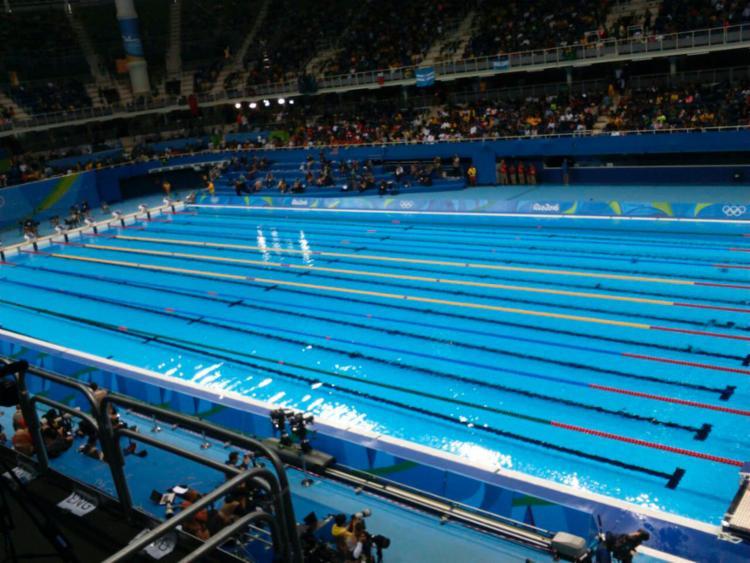 O desmonte da piscina já foi iniciado - Foto: Reprodução | Twitter | Time Brasil
