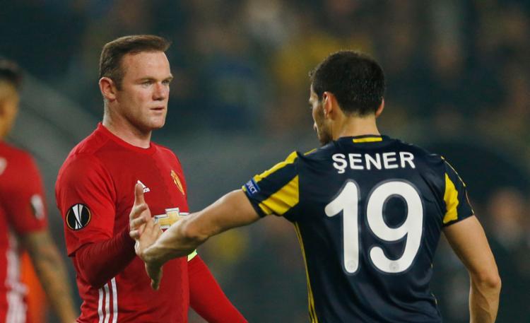 Rooney não conseguiu evitar mais uma derrota do United - Foto: Andrew Boyers | Reuters