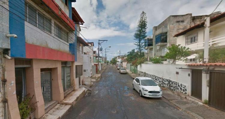 Crime aconteceu na rua Novo Paraíso, no bairro da Boca do Rio - Foto: Reprodução   Google Maps