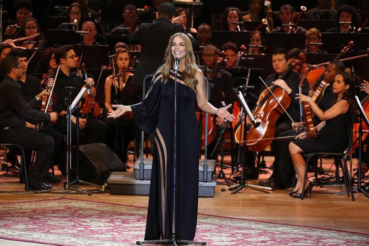 Cantora dividiu o palco com a Orquestra Juvenil da Bahia no TCA - Foto: Mila Cordeiro l Ag. A TARDE