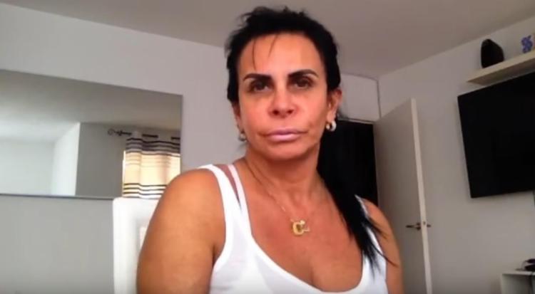 Em seu canal no Youtube, a cantora desabafou sobre algumas brincadeiras maldosas - Foto: Reprodução   Youtube