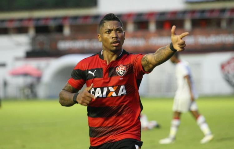 Marinho foi autor de dois gols e deu passe para outro - Foto: Margarida Neide / Ag. A TARDE