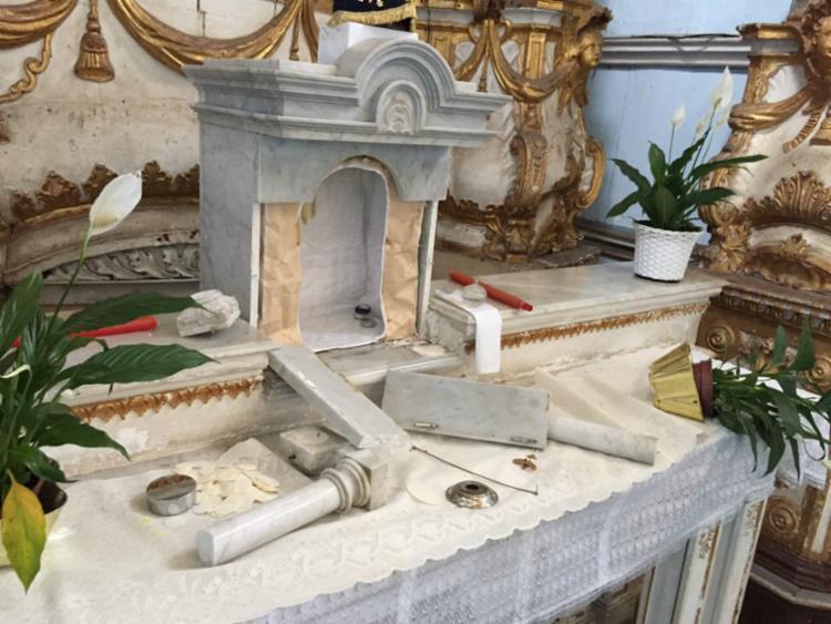 Castiçais, ostensório e porta do sacrário foram roubados - Foto: Igreja Nossa Senhora da Conceição / Divulgação