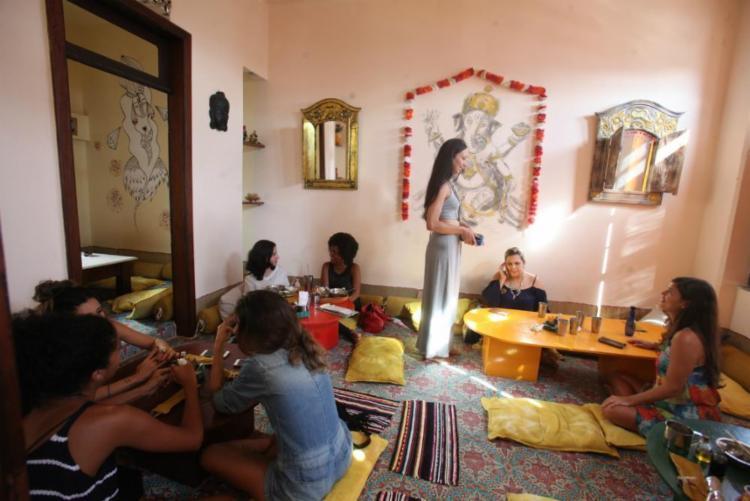 Shanti, no Rio Vermelho, preza pela apresentação fiel de pratos típicos - Foto: Lúcio Távora | Ag. A TARDE