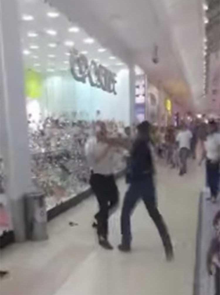 Confusão no shopping está sendo compartilhada nas redes sociais - Foto: Reprodução   YouTube
