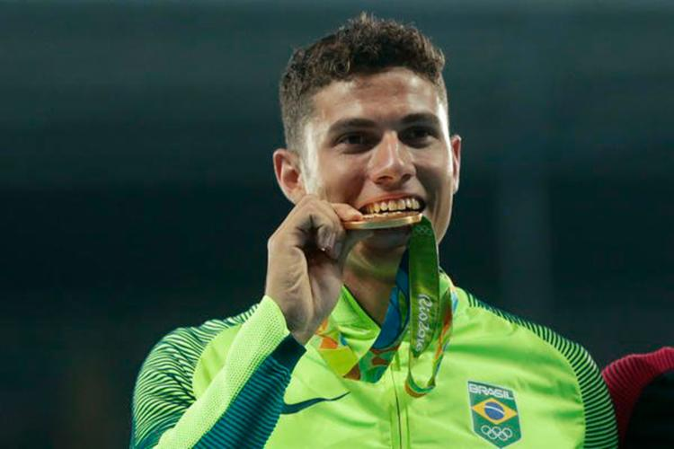 Thiago foi campeão e recordista da prova de salto com vara nas Olimpíadas do Rio - Foto: Reprodução | Twitter | Time Brasil