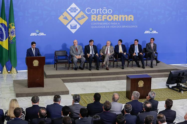 ACM Neto fala diante do presidente Temer do programa local que enviou - Foto: Marcos Corra (PR) l Divulgação