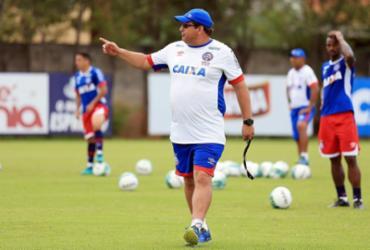 Valores de multa e salário afastam Guto Ferreira do Corinthians