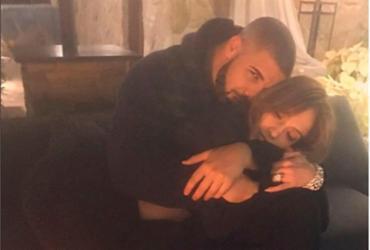 Jennifer Lopez e Drake postam fotos abraçados e viram assunto nas redes sociais