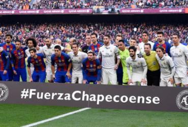 Chapecoense é homenageada em jogos pelo mundo