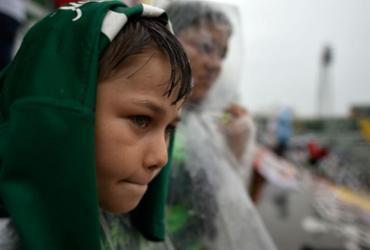 Torcedores se unem em Chapecó para adeus às vítimas de acidente aéreo