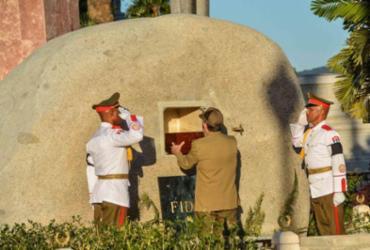 Cinzas de Fidel Castro são enterradas em cerimônia privada