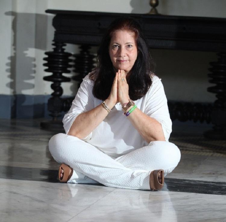 A designer Olga Gonzalez, 50, começou a meditar depois de um problema de saúde - Foto: Lúcio Távora | Ag. A TARDE