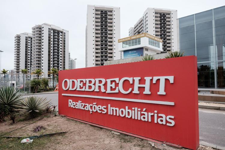 """Em comunicado oficial, a Odebrecht pediu desculpas ao país e admitiu ter cometido """"práticas impróprias"""" em sua atividade empresarial - Foto: Yasuyoshi Chiba l AFP PHOTO"""