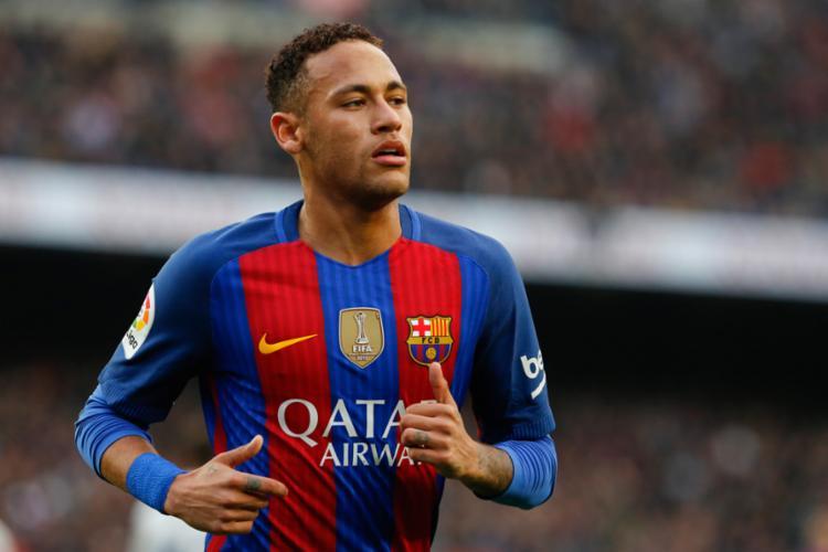 Neymar ficou atrás de Suarez e Messi - Foto: Pau Barrena | AFP