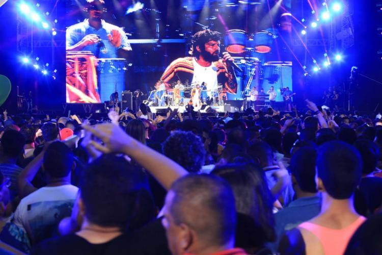 Saulo foi a segunda atração a subir no palco do segundo dia do evento - Foto: Edilson Lima | Ag. A TARDE