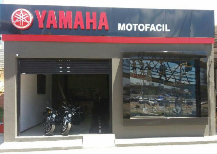 A nova Yamaha oferece motos e muitos acessórios - Foto: Divulgação Yamana Motofacil