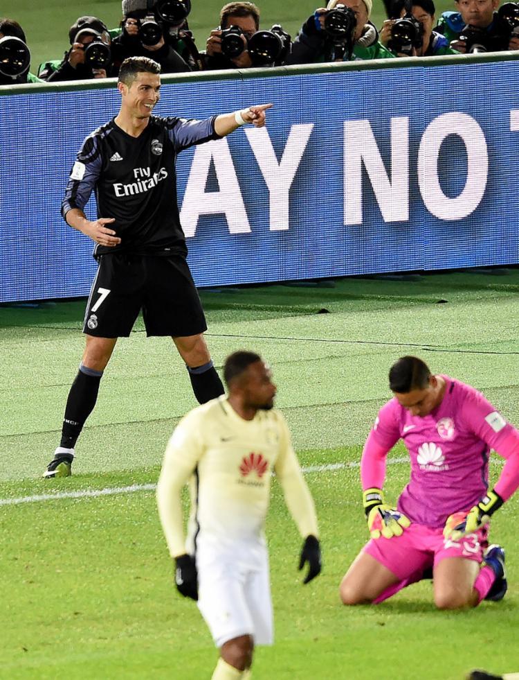 CR7, o Bola de Ouro de 2016, marcou o segundo gol da partida - Foto: Toru Yamanaka l AFP Photo