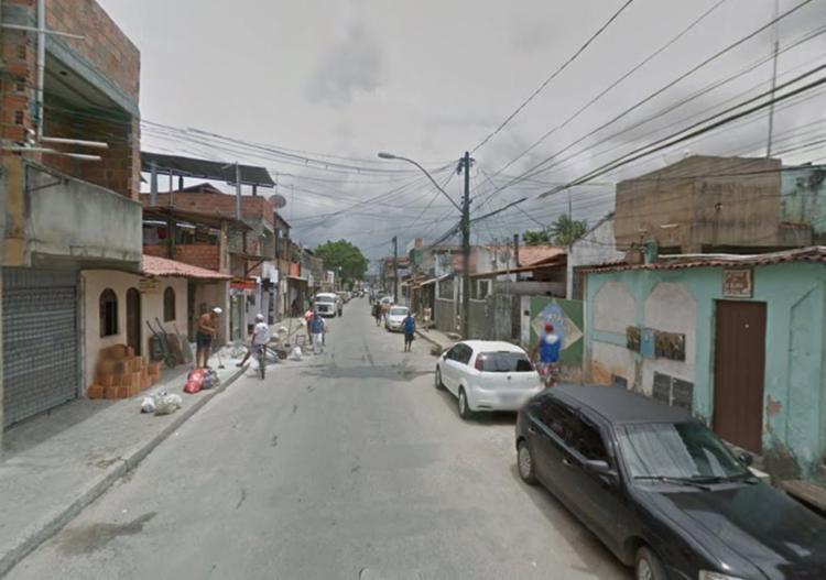 Estupro e tentativa de linchamento aconteceram na rua Lauro de Freitas - Foto: Reprodução   Google Maps