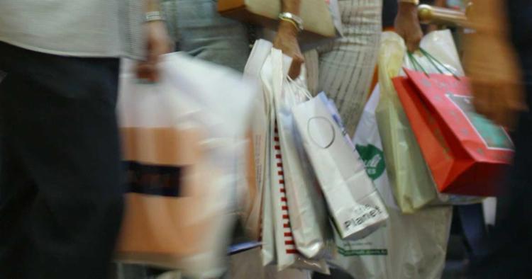 CDL diz que muita gente vai gastar com roupas e eletrodomésticos - Foto: Carlos Casaes em 21/12/2002