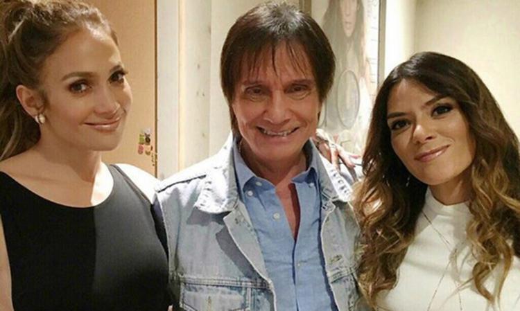 Roberto Carlos postou foto ao lado de Jennifer Lopez - Foto: Divulgação