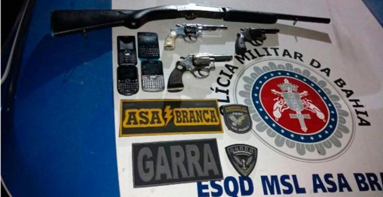 Polícia apreendeu armas após confronto com suspeitos - Foto: Divulgação | PM