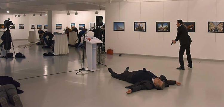 Karlov era embaixador na Turquia desde julho de 2013 - Foto: Stringer / AFP