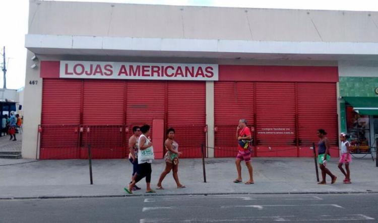 Unidade da Lojas Americanas foi assaltada na manhã desta quinta-feira - Foto: Edilson Lima | Ag. A TARDE
