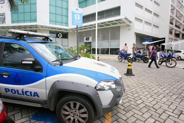 Policiais militares foram acionadas após tiroteio - Foto: Edilson Lima | AG. A TARDE