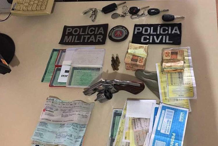 Fátima foi flagrada com a posse de um revólver calibre 38 - Foto: Ascom | Polícia Civil