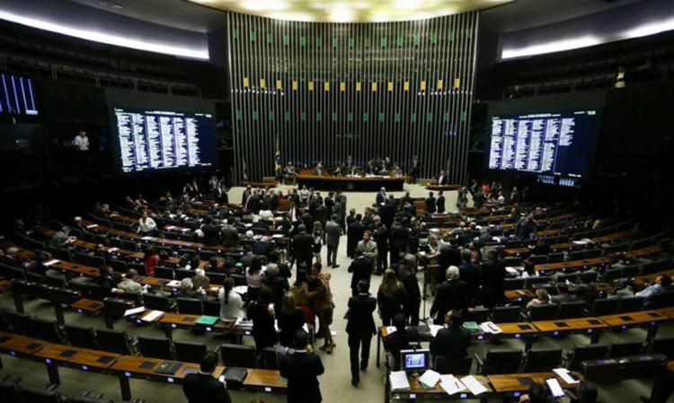Sessão da Câmara dos Deputados para analisar e votar o projeto sobre a renegociação da dívida dos estados com o governo - Foto: Marcelo Camargo | Agência Brasil