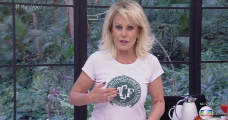 A apresentadora usou uma camiseta com a estampa do brasão do time de Santa Catarina e discursou - Foto: Reprodução | TV Globo