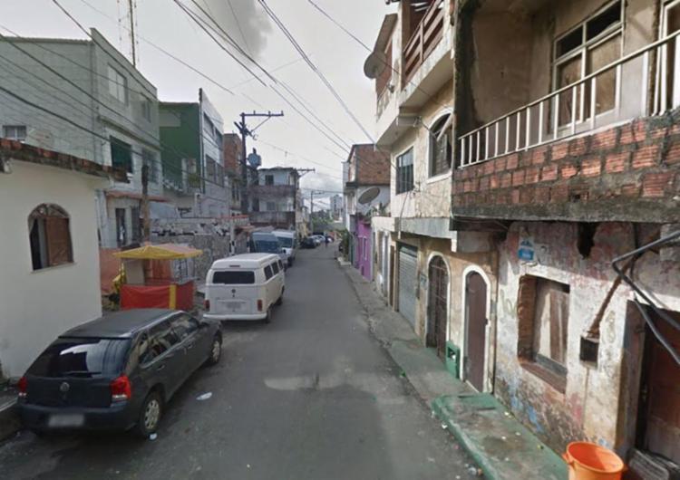 Crime aconteceu na rua Alto do Formoso, no bairro de Cosme de Farias - Foto: Reprodução | Google Maps