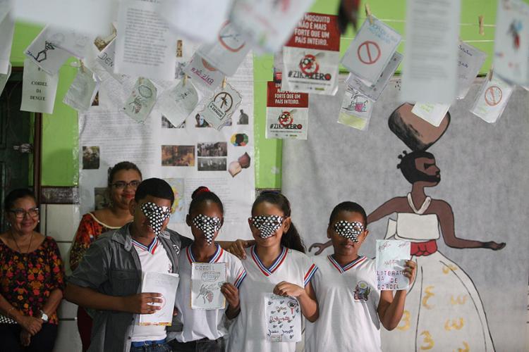 Alunos do Colégio Tereza Helena Mata Pires apresentaram os trabalhos do projeto - Foto: Raul Spinassé l Ag. A TARDE