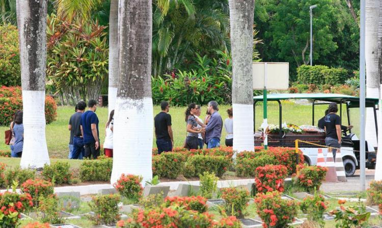 Cerimônia foi realizada no Jardim da Saudade - Foto: Mila Cordeiro | Ag. A TARDE