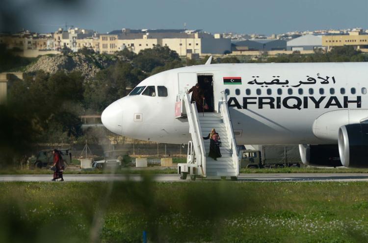 O anúncio do fim do sequestro aconteceu pouco depois das 12h40, quando os passageiros foram liberados - Foto: Matthew Mirabell | AFP